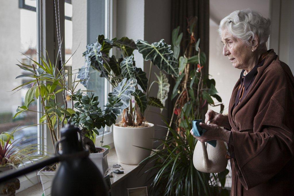 Alter-Grande-Dame-Ilo-Geissler-Schauspielerin-4.jpg